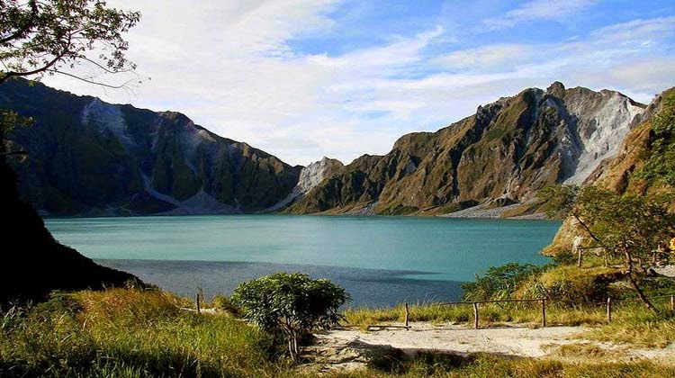 Danau Kawah Paling Indah